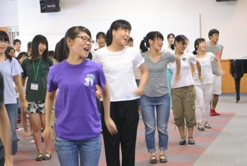 8.11-12夏期合宿ソングの練習-1.jpg