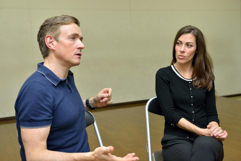 アヌーナ代表マイケル・マクグリンとメンバーのローラ・インマン